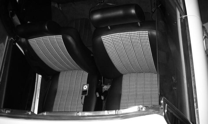Porsche Recaro Standard Sitze im Porsche 911 F-Modell Targa (Porsche 911 S 2.4 Targa, 1972) mit Pepita-Muster