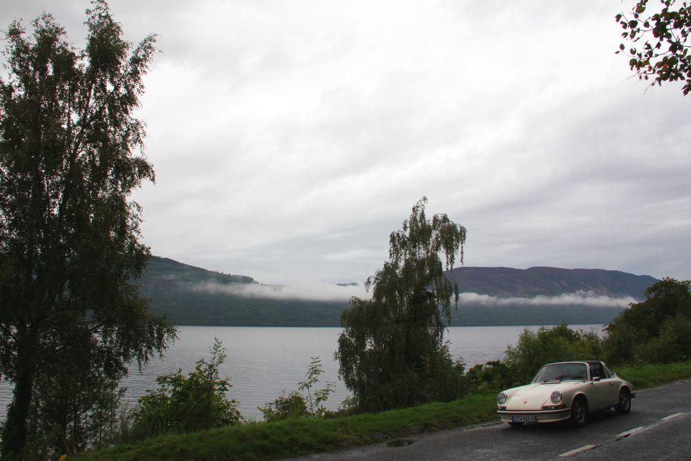 Der Loch Ness. Wirklich nicht spannend ohne Seeungeheuer und dafür viel zu überlaufen mit Touristen.