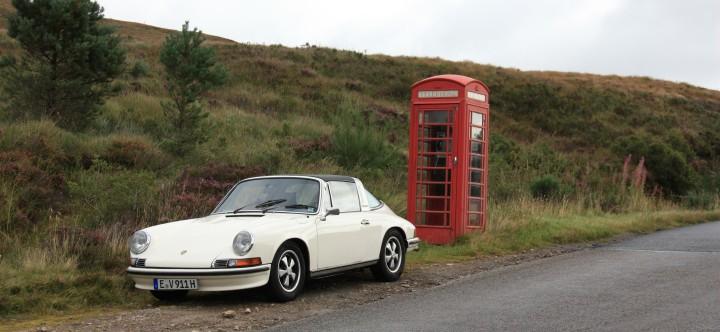 Porsche 911 S 2.4 Targa (Öklappenmodell) in Schottland.