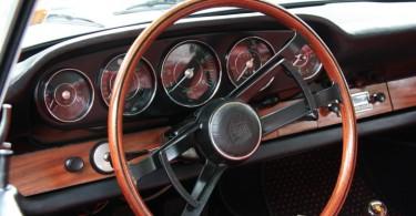 IMG_6734-1965-porsche-coupe-dashboard-720px