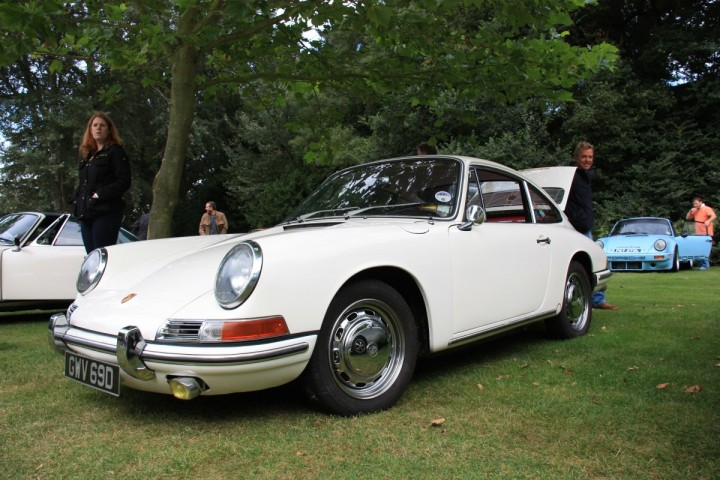 1965er Porsche 911 Coupé in Castle Hedingham (Classics at the Castle)