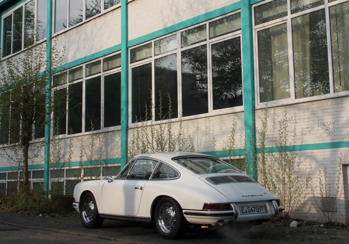 Porsche 911 Coupé - Baujahr 1965: Sicher gelandet und gewaschen mit Kurzzeitkennzeichen. Nächste Hürde: TüV