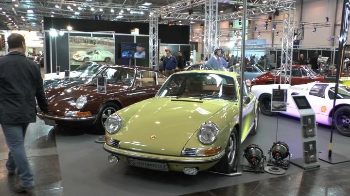 Welche Farbe möchten Sie denn? Investoren hatten auch 2014 wieder die Qual der Wahl unter geschätzt 120 verschiedenen Porsche 911 F-Modellen in allen Bonbonfarben.