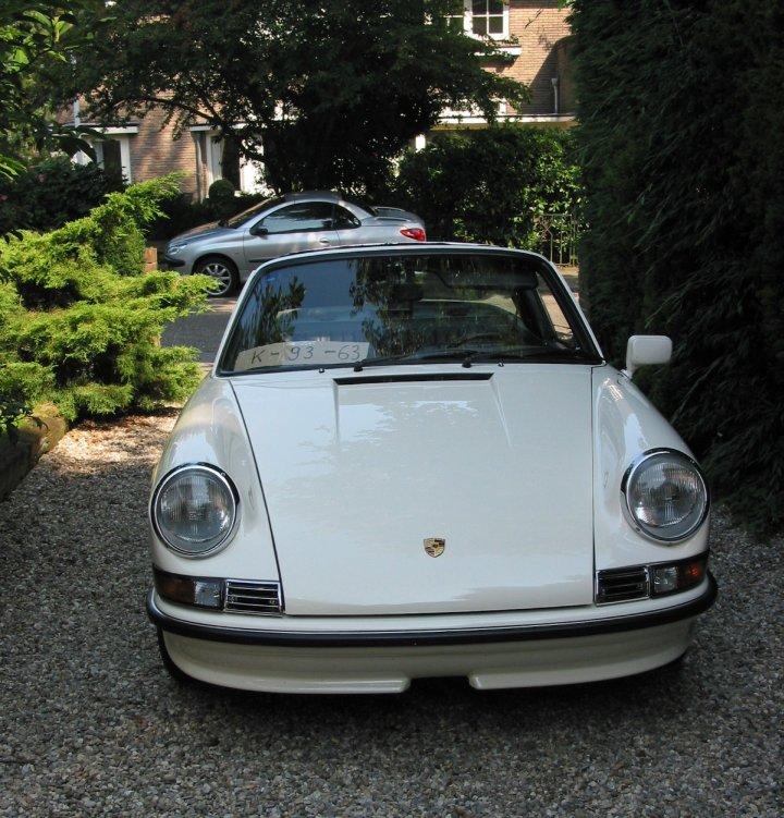So stand er 2008 in Holland in der Einfahrt und Ruud wollte ihn loswerden. Der 911 S 2.4 als Startschuss für TDM!