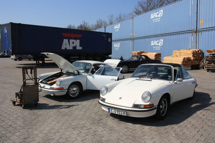 """Wird nächstes Jahr 50! """"Jerry"""" beim Abholen in Holland mit """"Ruud"""", dem 72er S Targa."""