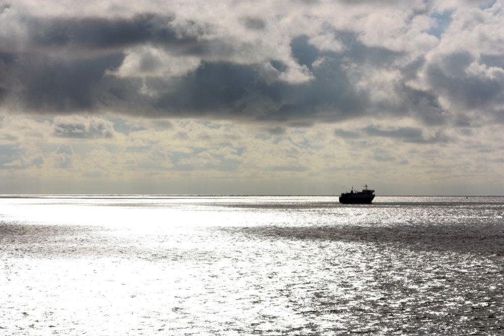 Am Himmel zeichnet sich bereits ab, was wir später so an Schottland lieben werden: Dramatische Wolken.