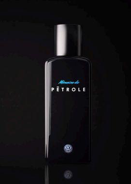 Parfüm mit Benzingeruch (?) - am besten mal selbst ausprobieren. Frau Toni ist eine DER Adressen für handgemachtes Parfüm Made in Berlin