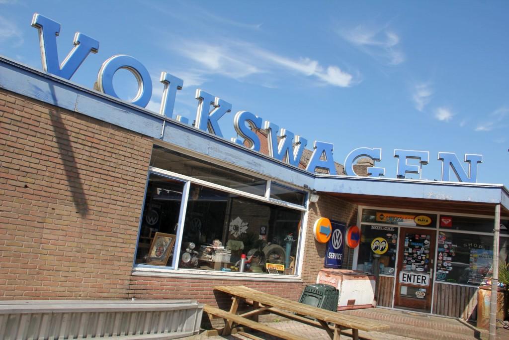VOLKSWAGEN - bei Kieft en Klok in Holland werden Busse en gros und en masse verkauft