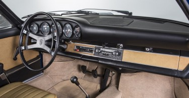 P15_0510_a5_rgb-Porsche-Classic-Armaturenbrett-fuer-Urelfer-Reproduktion