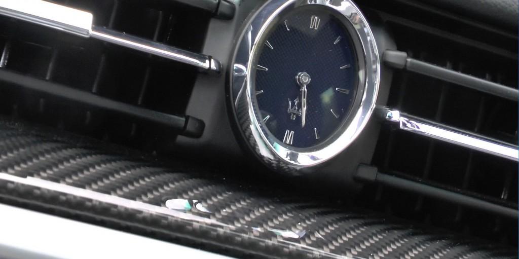 Wem die Uhr schlägt. Die ovale Uhr ist seit Jahrzehnten Markenzeichen bei Maserati.