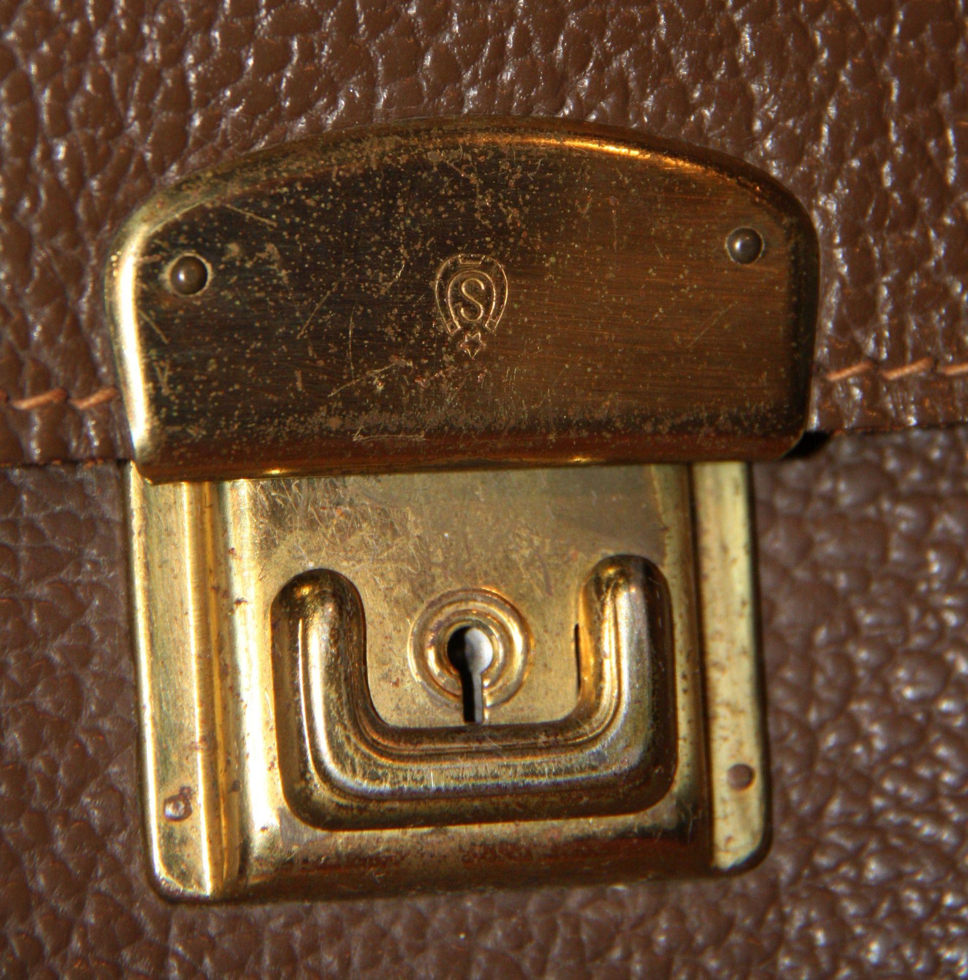 tasche-denis-schnalle-baisch-logo-1920