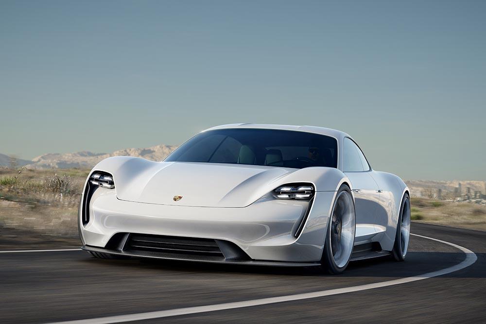 Wird kommen und wird nicht allein bleiben. Der Mission E könnte der Startschuss für eine ganze Reihe elektrischer Porsches sein.