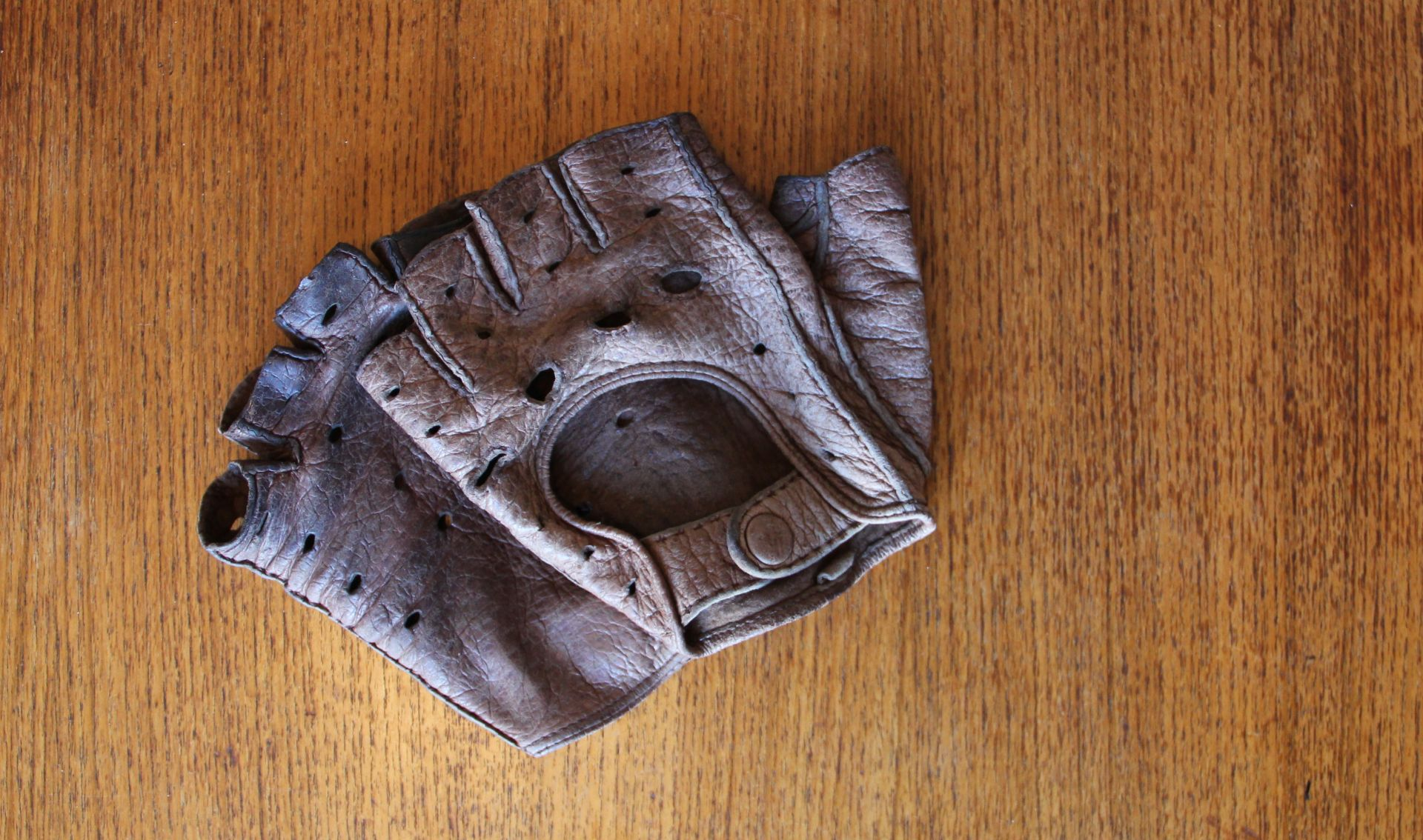 Autohandschuh aus Pekarileder