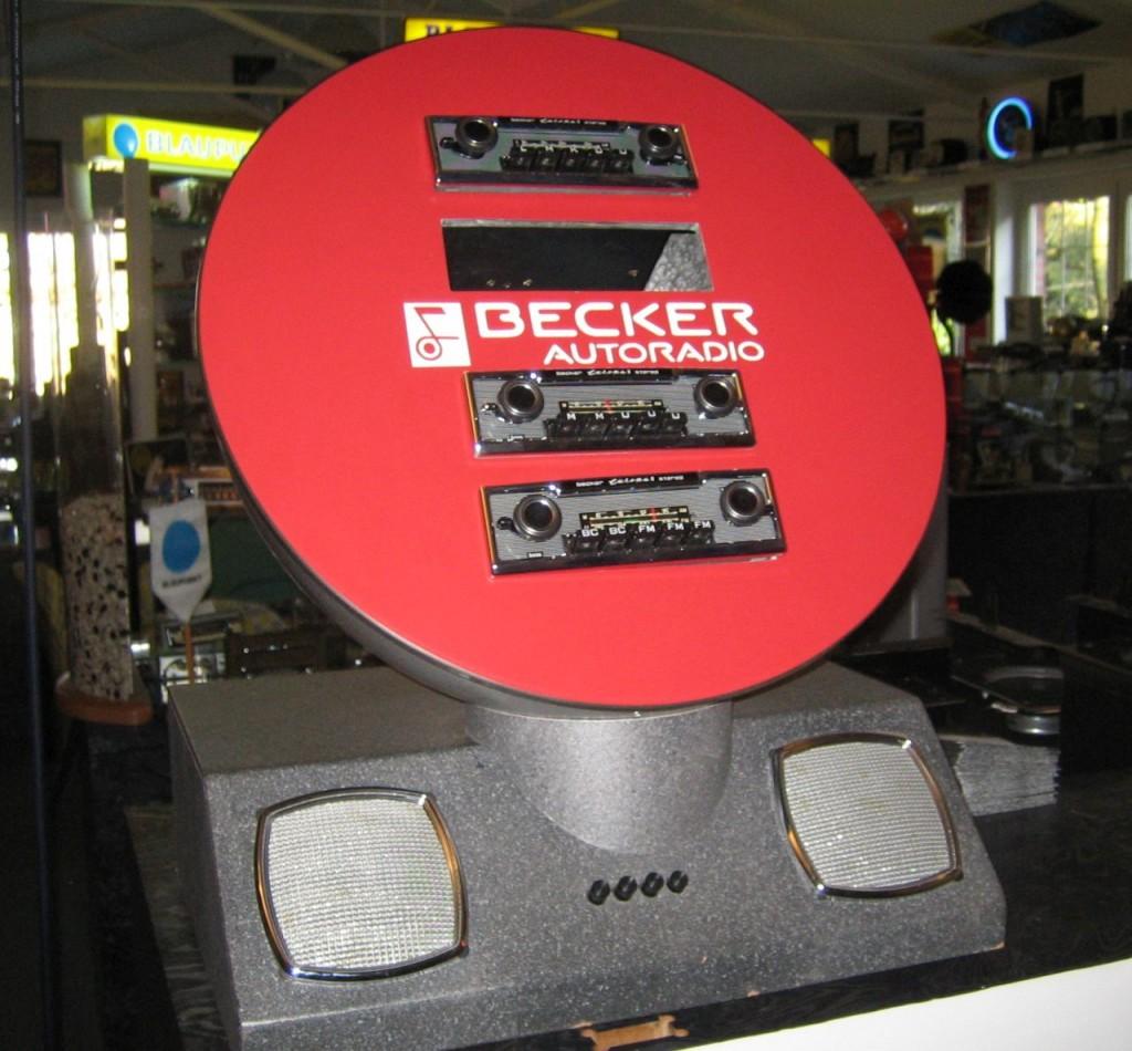 """Becker Autoradios - hier bei """"Königs Klassik-Radios"""" in Haan sind am besten generalüberholt beim Experten zu kaufen. Finger weg von eBay-Schnappern!"""