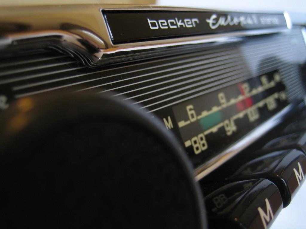 Becker Europa Radio im Porsche 911 S. Hier ein generalüberholtes - sieht natürlich schick aus!