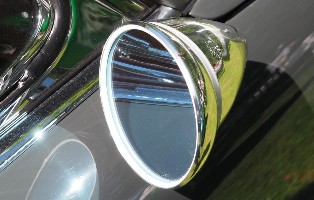 Talbot-Spiegel rechts. Die aerodynamischen Vorteile waren gering.