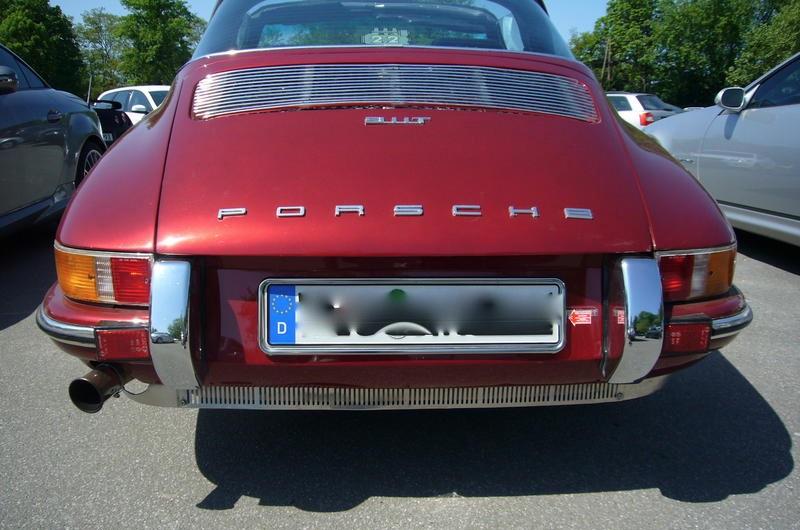 """Das """"Muffler Skirt"""" oder """"Jägerzaun"""", wie die deutsche Szene sagt in Aktion. Hier an einem Porsche 911 T."""