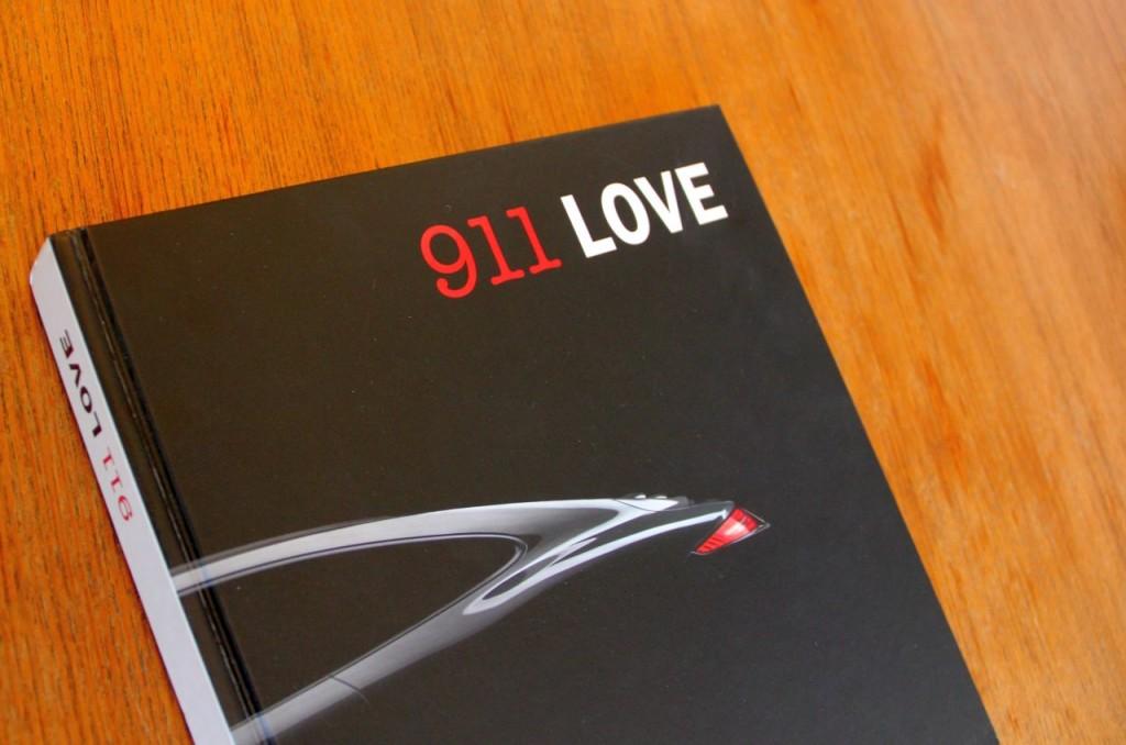911 Love. Ein Buch über Liebe zu Autos. Nur auf den ersten Blick ein Kaffeetischbuch. Auf den zweiten Blick eines der besten Bücher zum Elfer überhaupt.
