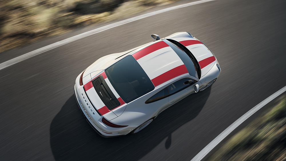 Man möchte die ganze Zeit mit dem Hubschrauber drüberfliegen, so schön ist der von oben: Porsche 911 R.