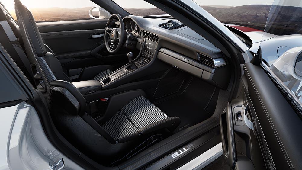 Pepita-Sitze im Porsche 911 R. Was sonst???