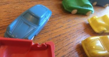 rettungsgasse-spielzeugautos
