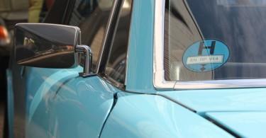 H-Plakette in Wagenfarbe. Man gönnt sich ja sonst nix. Außer einen Porsche 914