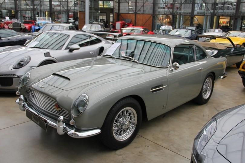 Aston. Mein Name ist Bond.