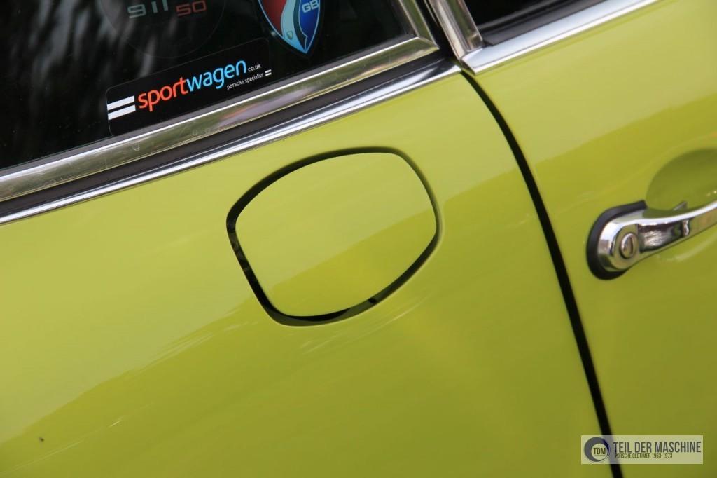 Und noch eine Ölklappe an einem Porsche 911 S 2.4 in seltener grüner Lackierung.